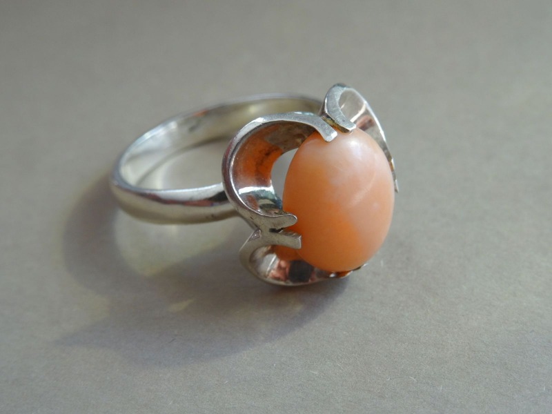 Silver ring with coral. 925 standard