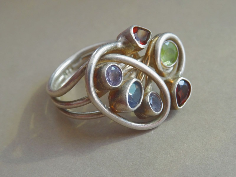 Silver ring with semi-precious stones. 925 standard