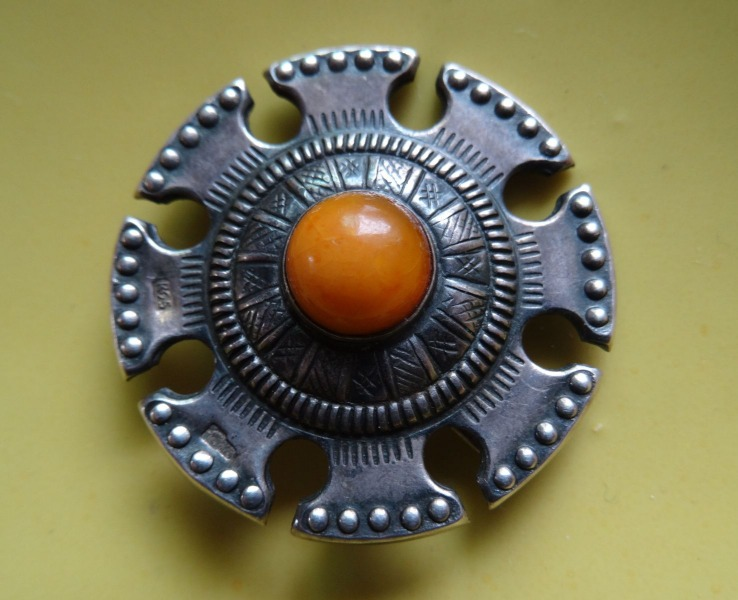 Silver Sakta with amber. 1920-30s, purity 875