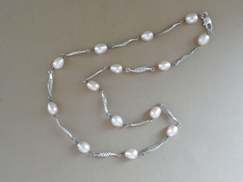 Necklace. Pearls, silver