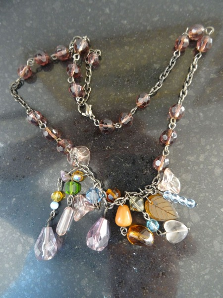 Pendant colored semiprecious stones