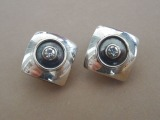 Silver clips with zircons