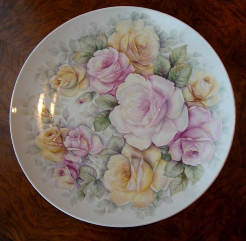 Plate with roses
