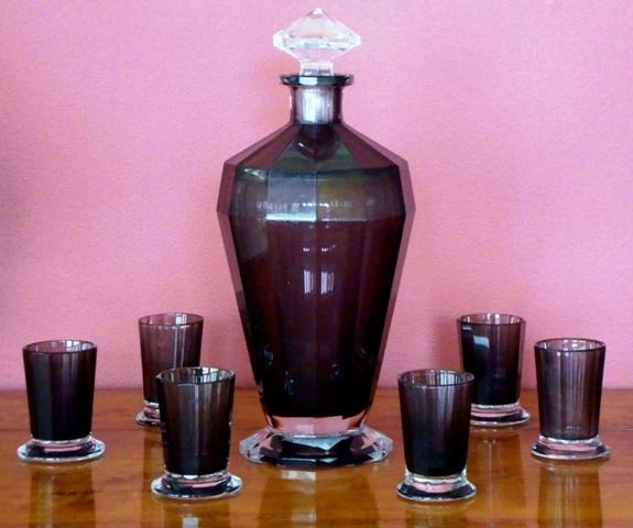 Decanter with sixth cups