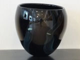 Black glass vase. Diam. 24 cm, h 23 cm