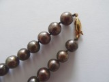 Pearl necklace with golden lock, dark pearls, gold, L- 53 cm, weight - 53 gr.