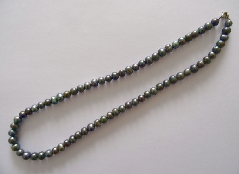 Pearl necklace, dark pearl, L- 55 cm, weight 52 gr.