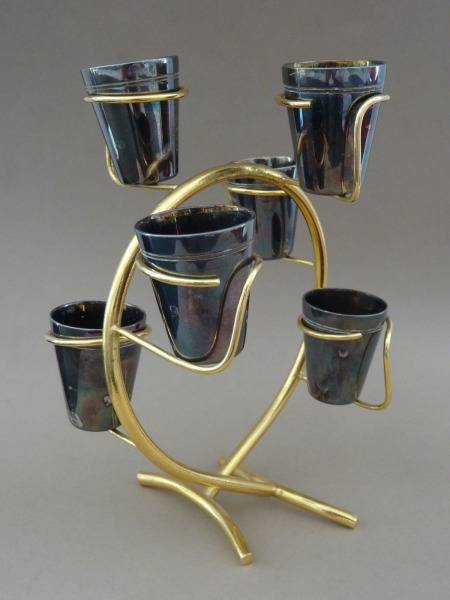 Melchior glasses on a stand
