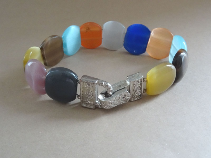 Bracelet with colorful stones