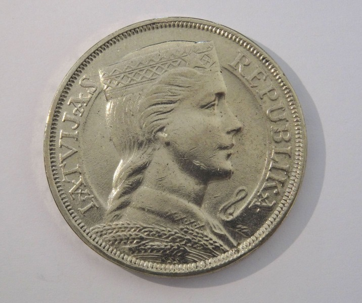 Coin 5 Lats 1932, 600 000 copies issued