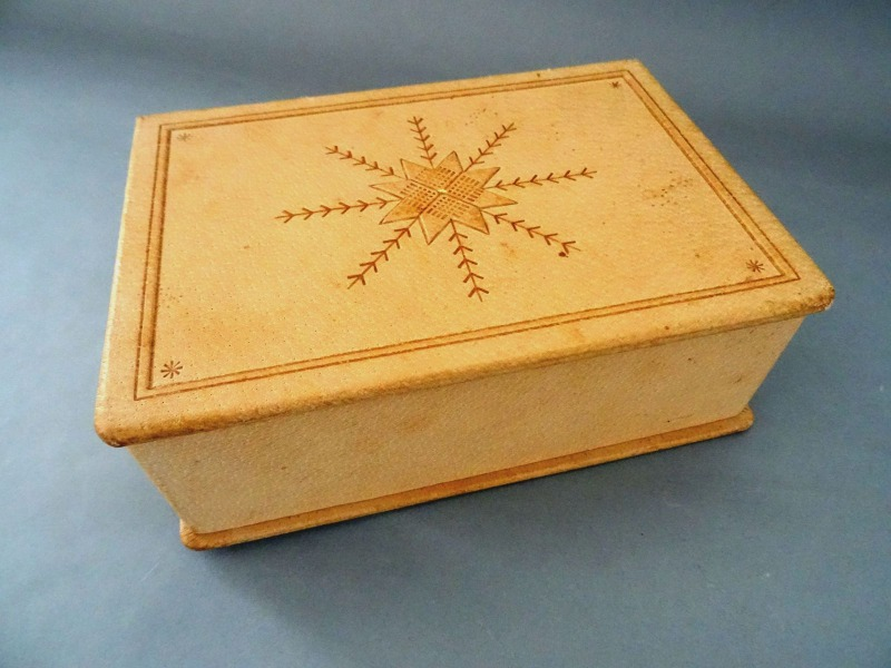 Leather wooden box with auseklis