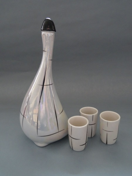 Carafe with three glasses, Riga, porcelain